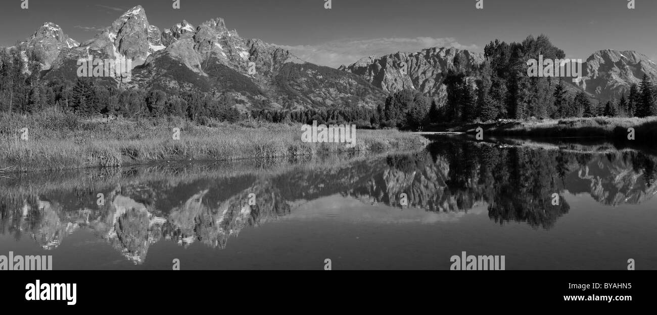 Black and white, panorama Snake River at Schwabacher Landing, in front of the Teton Range, Grand Teton National - Stock Image