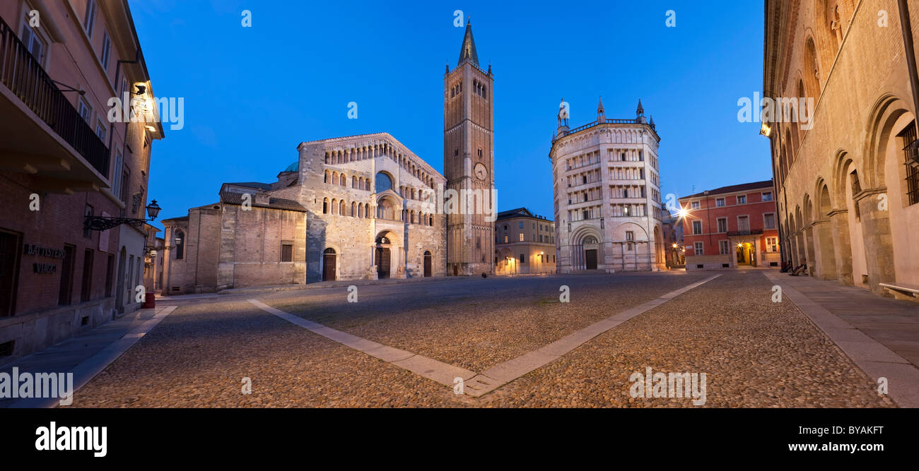 Duomo (Cathedral) and Baptistry, Parma, Emilia-Romagna, Italy - Stock Image