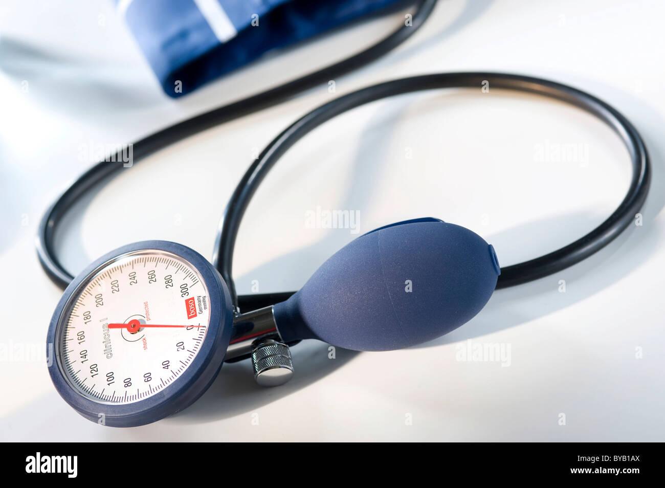 Sphygomanometer for measuring blood pressure - Stock Image