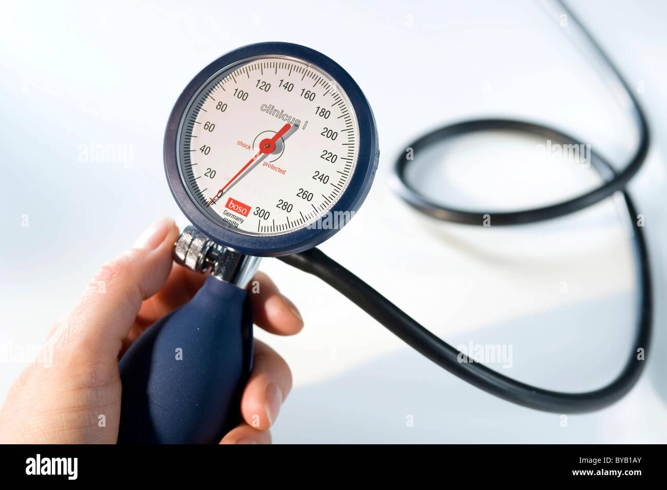 Sphygomanometer for measuring blood pressure, health care - Stock Image