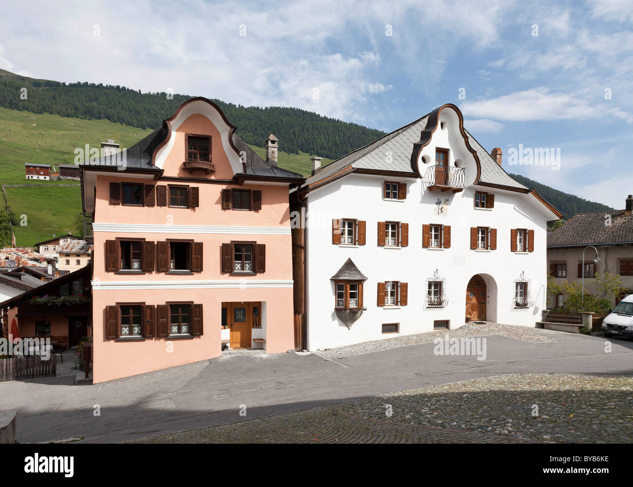 Historic houses in Sent, Lower Engadine, Graubuenden or Grisons, Switzerland, Europe - Stock Image
