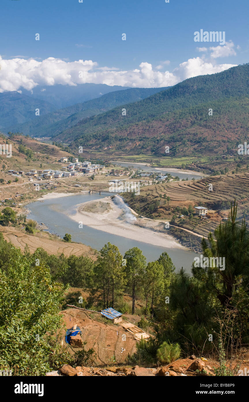 Mo Chhu and Pho Chhu river flowing through Punakha, Bhutan, Asia - Stock Image
