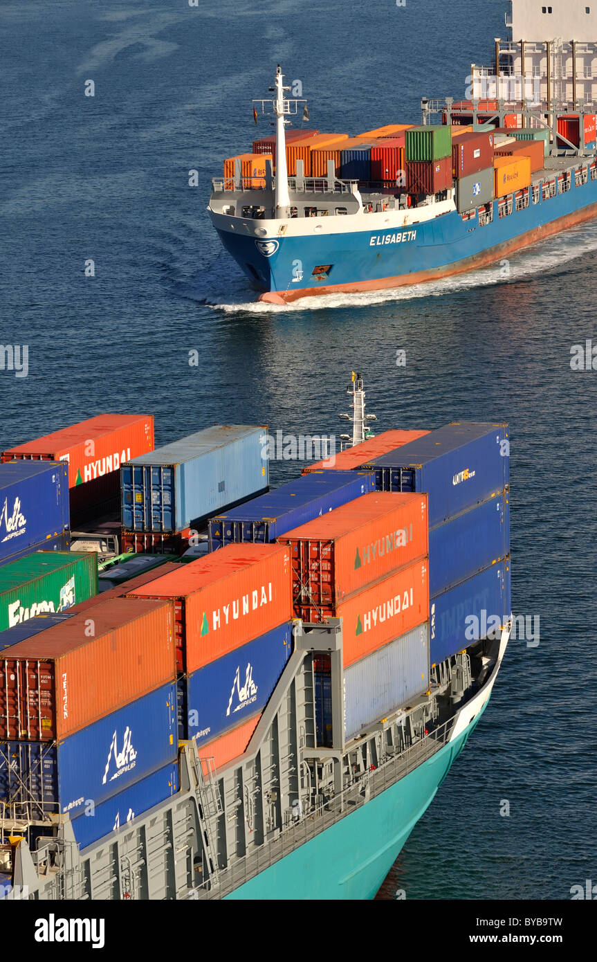 Encounter between two container ships on Kiel Canal, Kiel, Schleswig-Holstein, Germany, Europe - Stock Image