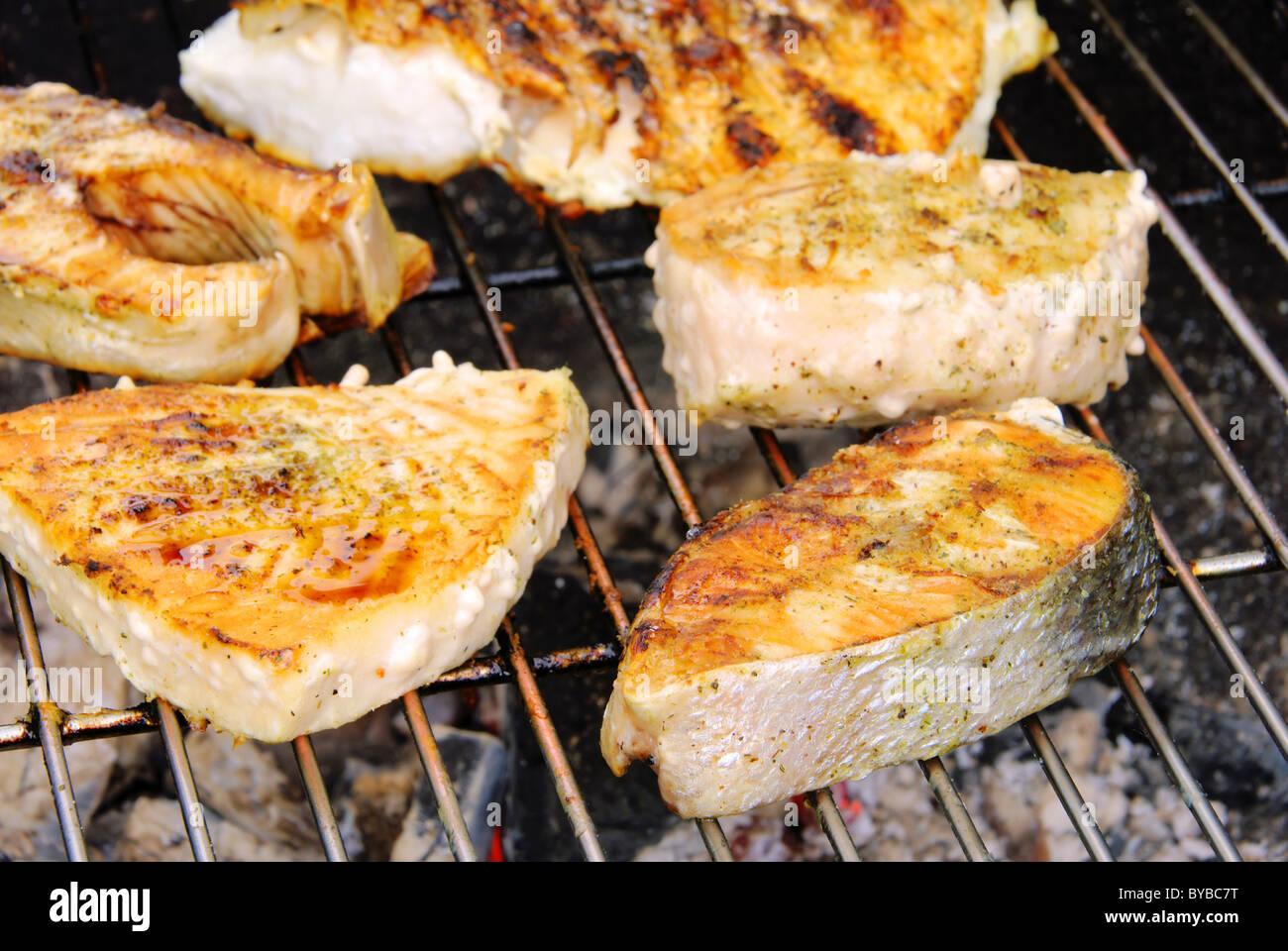 Grillen Fischsteak - grilling steak from fish 11 - Stock Image