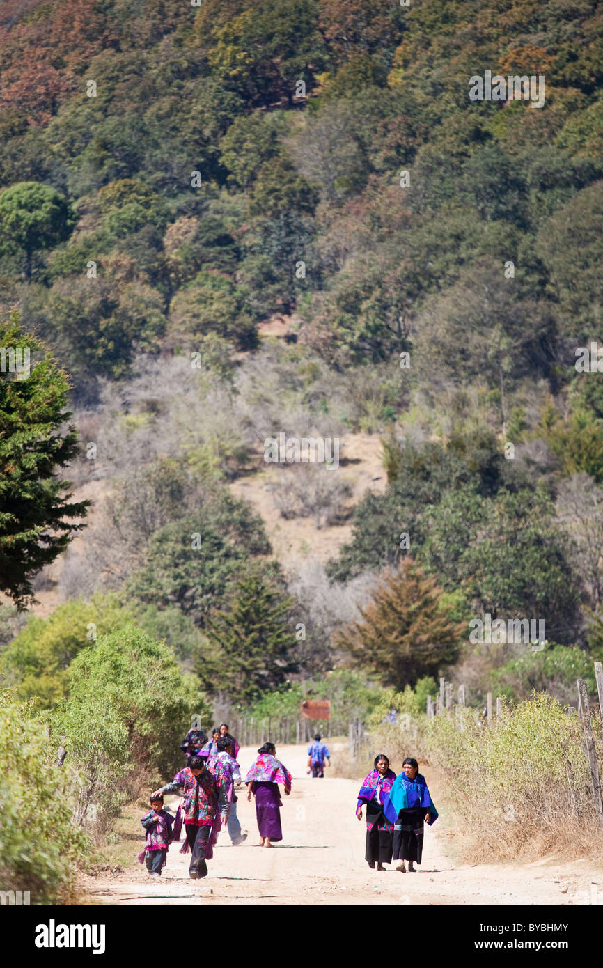 Indgenous mayan people in Zinacantán, Chiapas, Mexico, 10 km outside of San Cristobal de las Casas - Stock Image