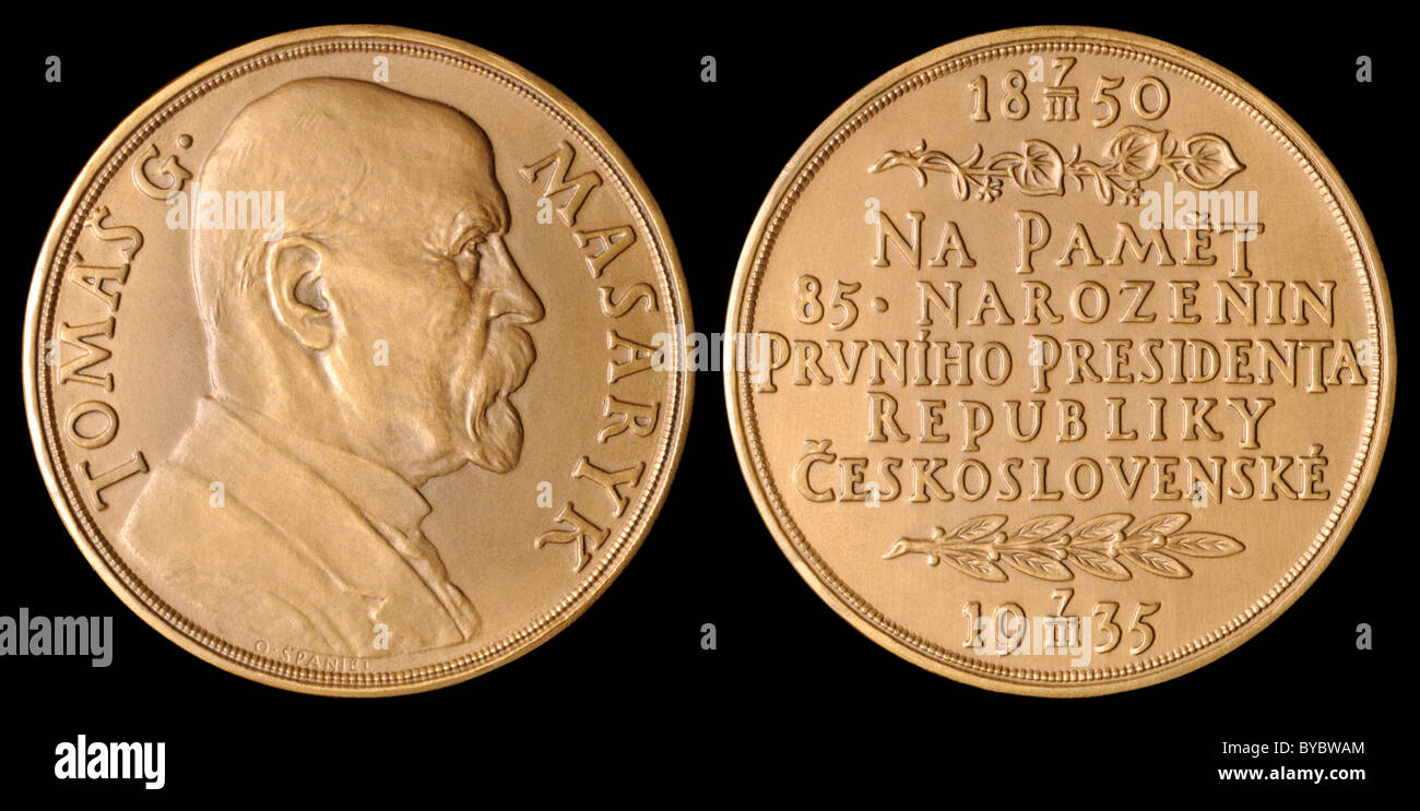 Czechoslovakian Bronze Medal commemorating the 85th birthday of T G Masaryk (First President of the Czechosklovak - Stock Image