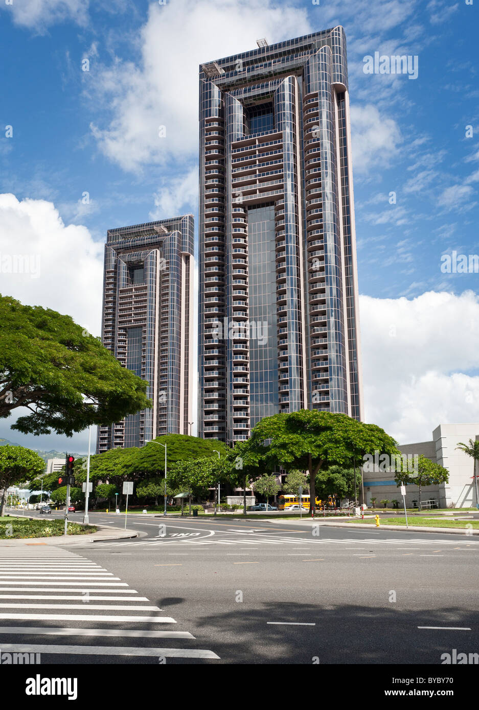One Waterfront Tower. Twin condo towers built in 1990 have great views of Honolulu harbor are a city landmark. Mauka - Stock Image