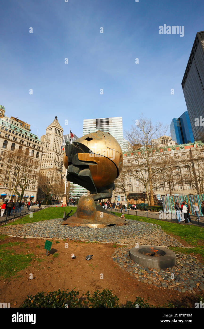 Sculpture The Sphere by Fritz Koenig saved from Ground Zero, New York - Stock Image