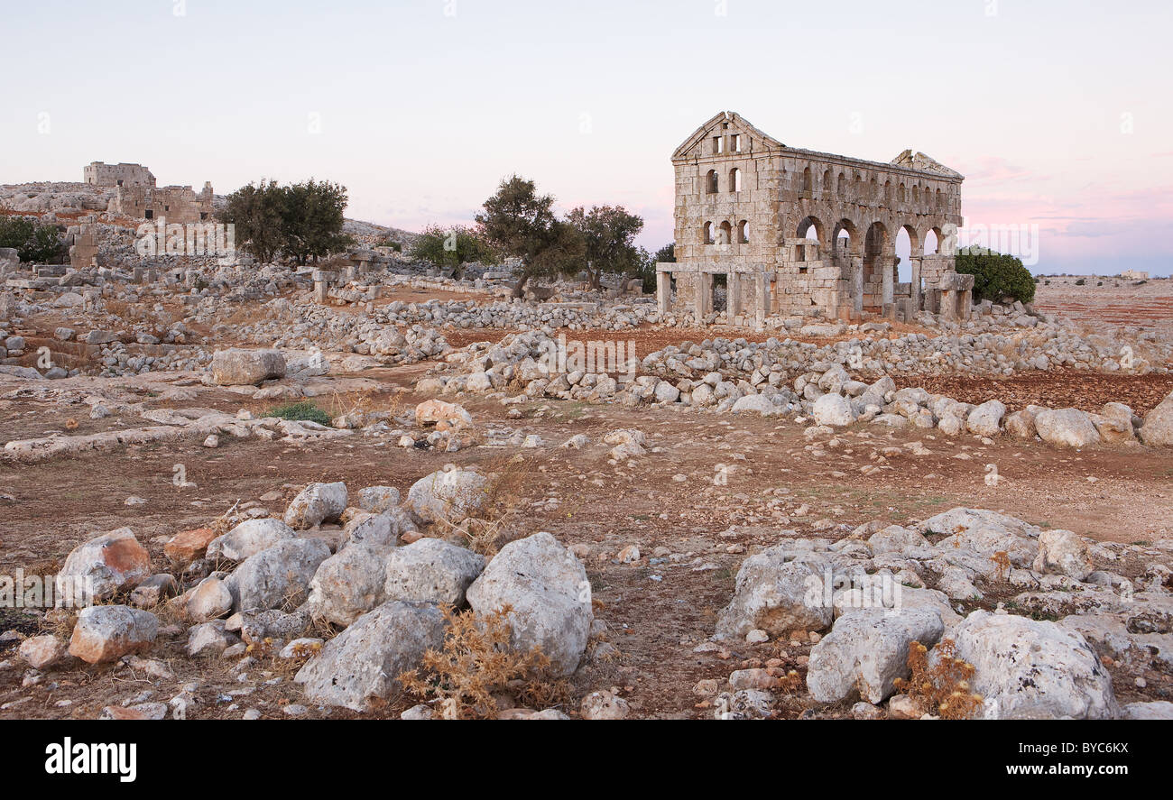 Deserted ruins of Kharrab Shams 'Forgotten City', north of Aleppo, Syria after sun set - Stock Image