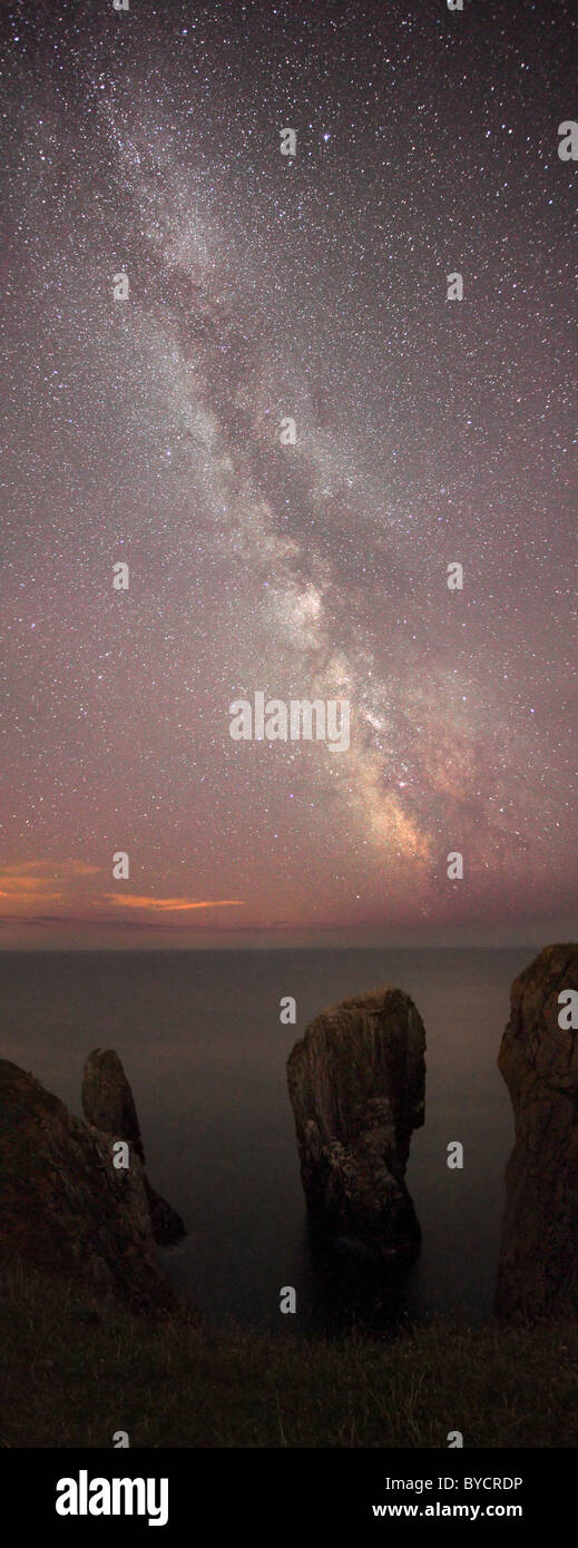 Milky Way - Elegug Stacks, Pembrokeshire, Wales, UK : As seen in Daily Mail, Telegraph - Stock Image