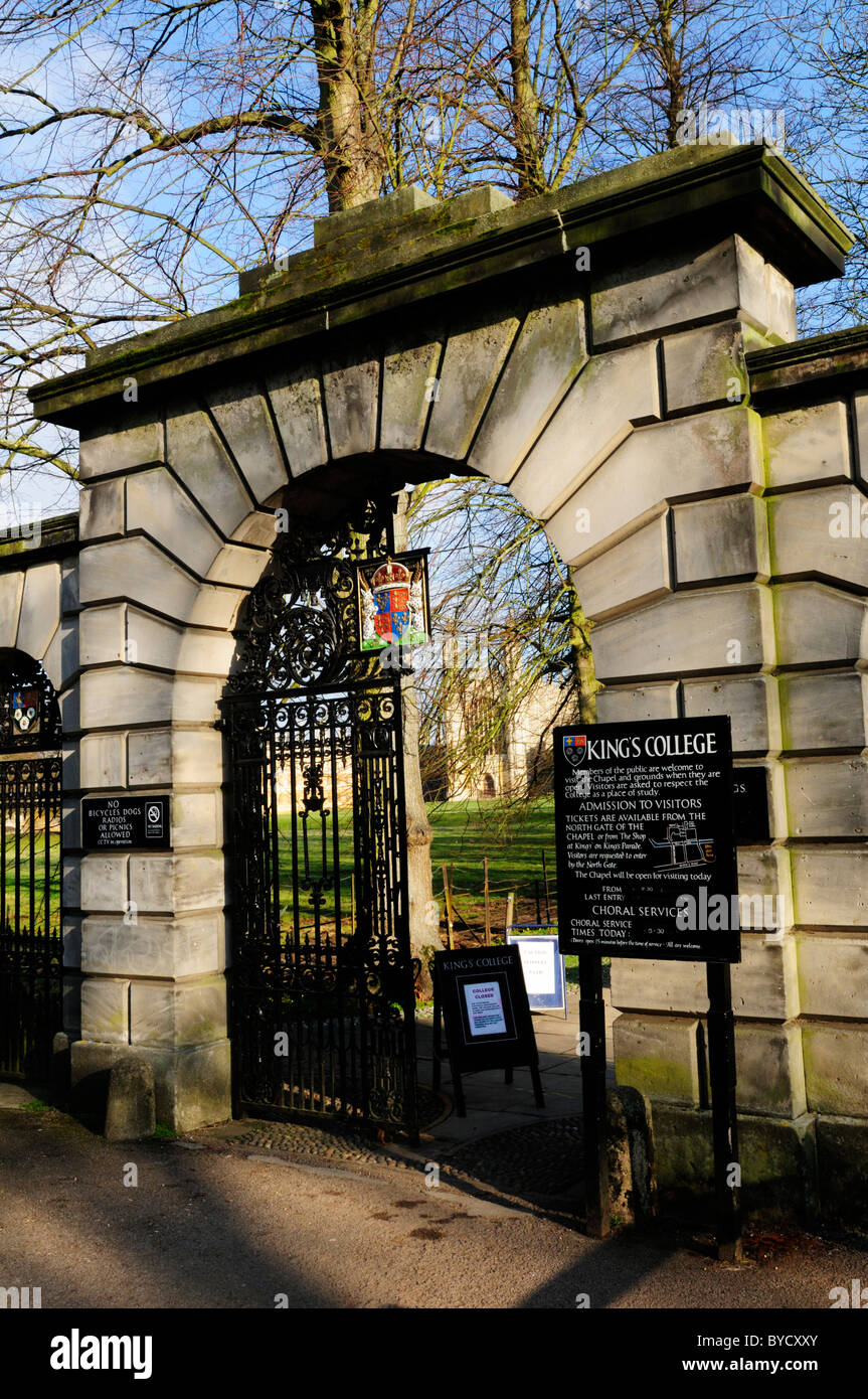 Entrance to Kings College, Queens Road, Cambridge, England, UK - Stock Image