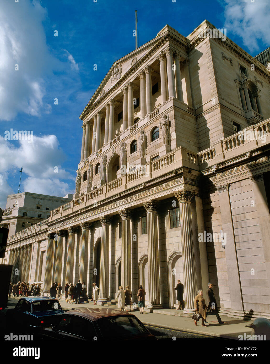 The Bank of England building on Threadneedle Street, City of London - Stock Image