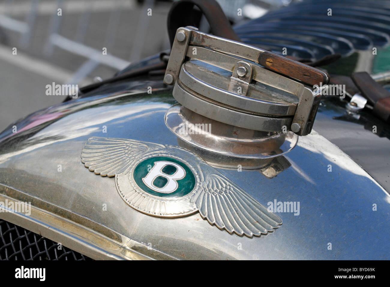 Bentley Brand Emblem On The Hood Of A Vintage Bentley 4 5 Litre Le Stock Photo Alamy