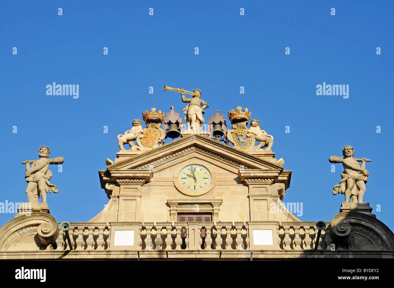 Figures, historic building, facade, Pamplona, Navarra, Spain, Europe - Stock Image