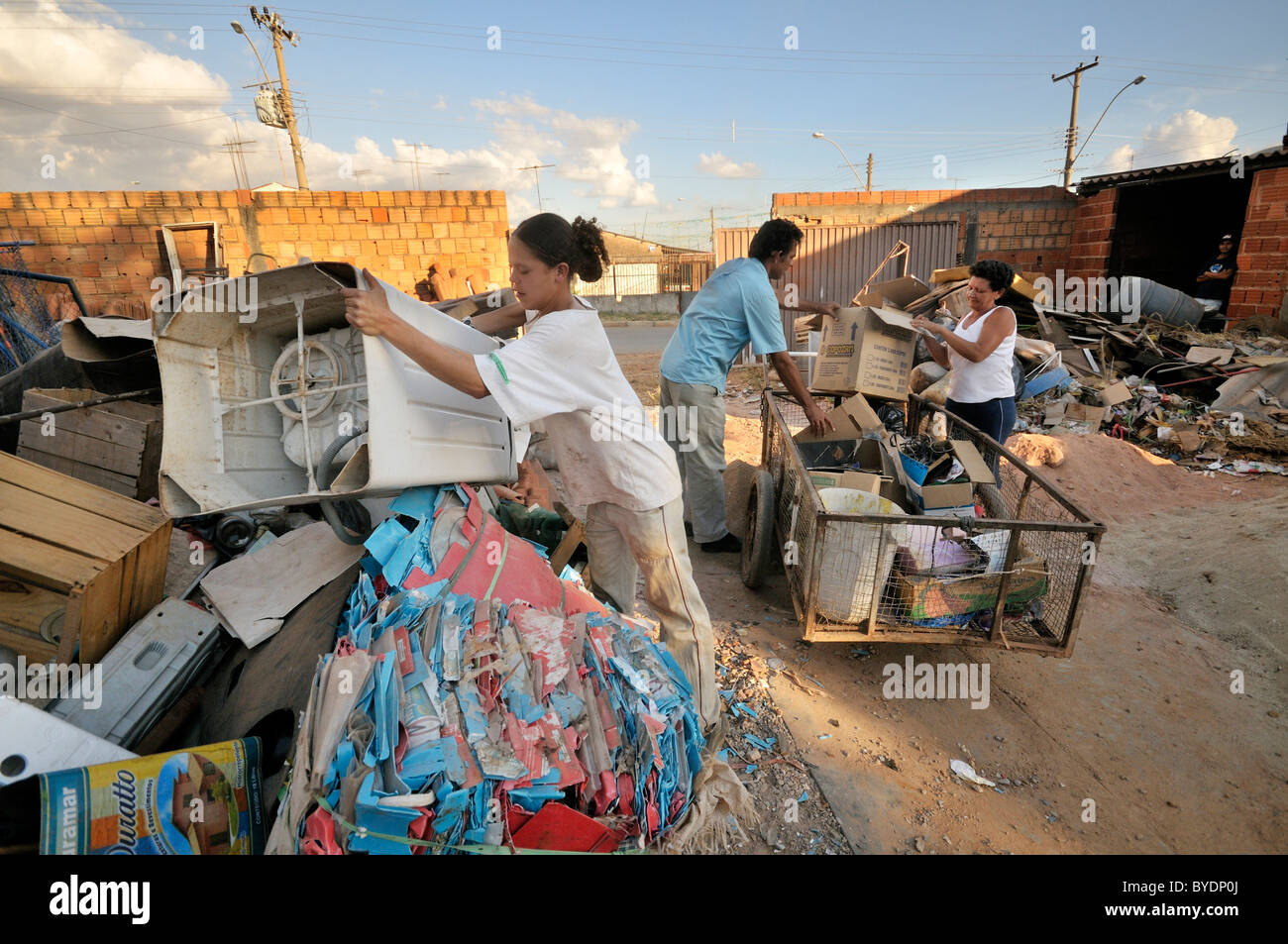 Garbage collectors provide recyclables at the social project for ex-prisoners 'Reintegar Reciclando' - Stock Image