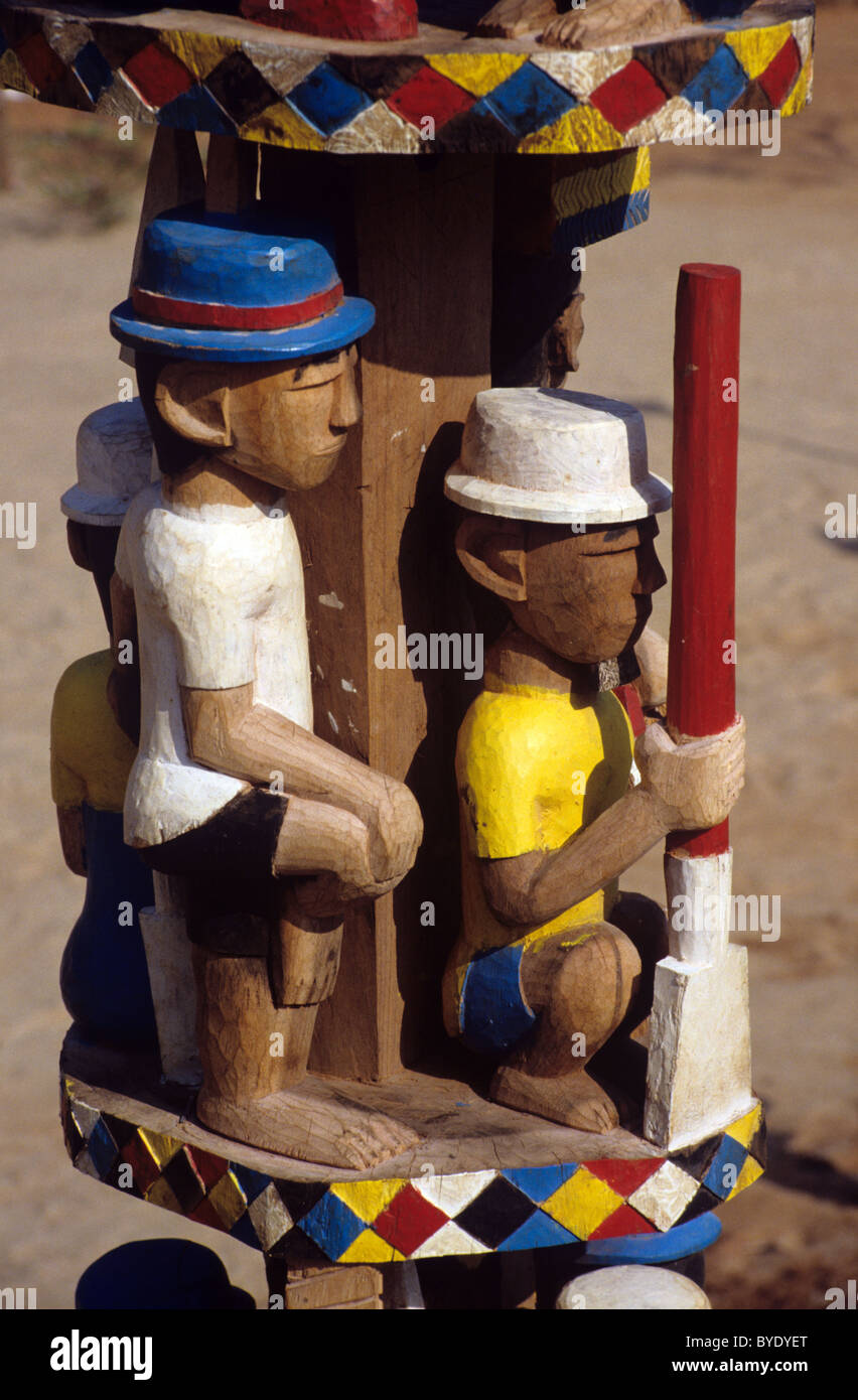 Mahafaly or Malagasy Painted Funerary Sculpture, Stele or Totem, aka Aloalo, Fishermen & Paddle, on Tomb, nr - Stock Image