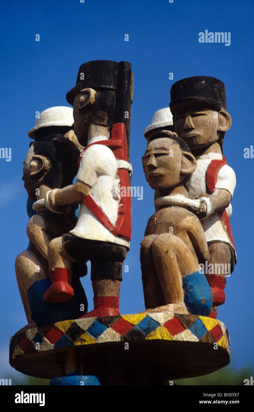 Mahafaly or Malagasy Painted Funerary Sculpture, Tomb Art, Totem, Stele or Aloalo, Police & Prisoners, nr Toliara, - Stock Image
