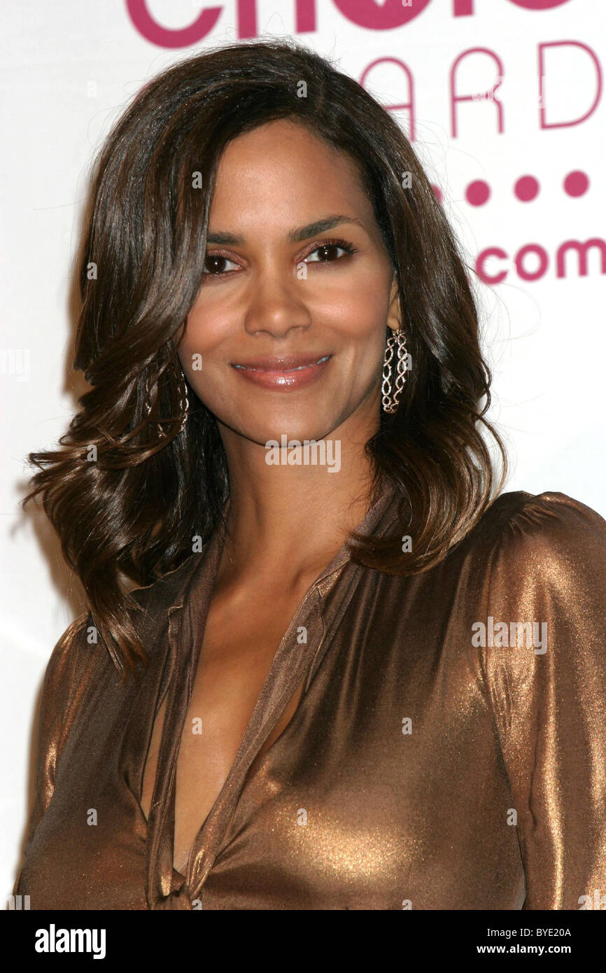 Halle Berry 2007 People's Choice Awards at the Shrine Auditorium -  Pressroom Los Angeles, California