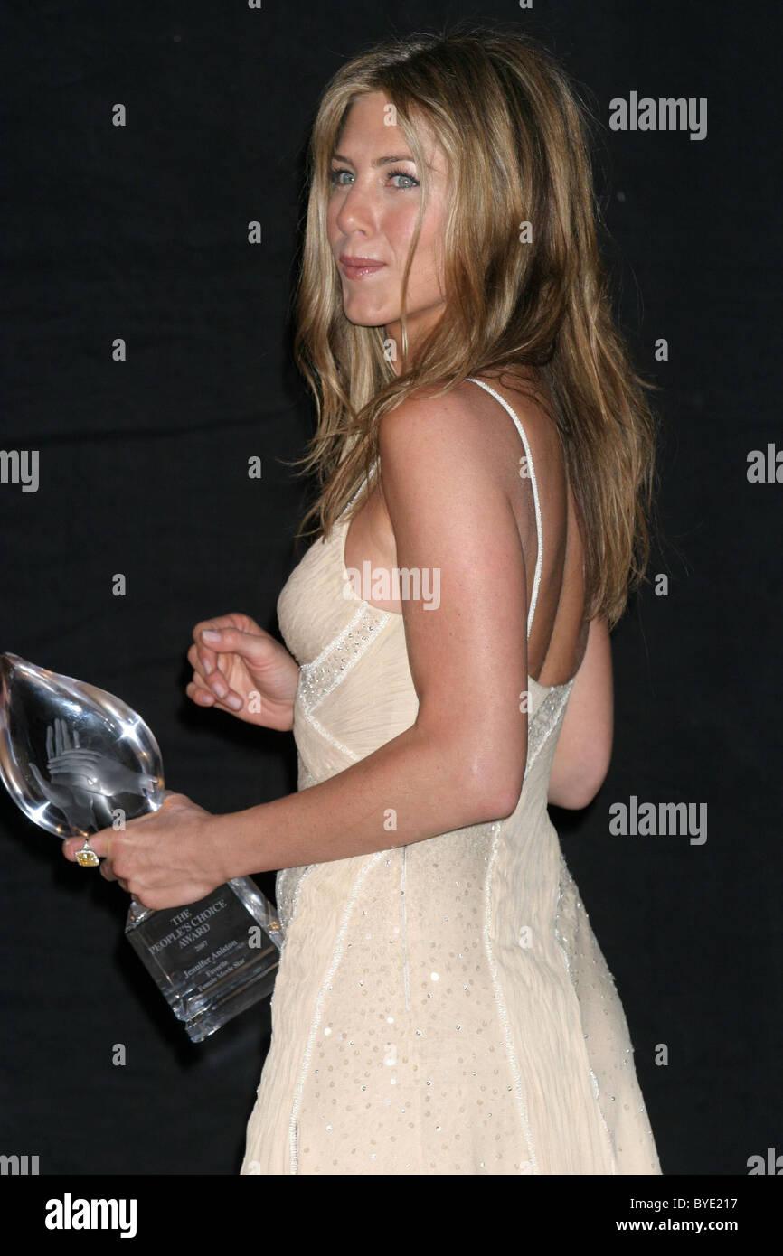 Jennifer Aniston 2007 People's Choice Awards at the Shrine Auditorium -  Pressroom Los Angeles, California