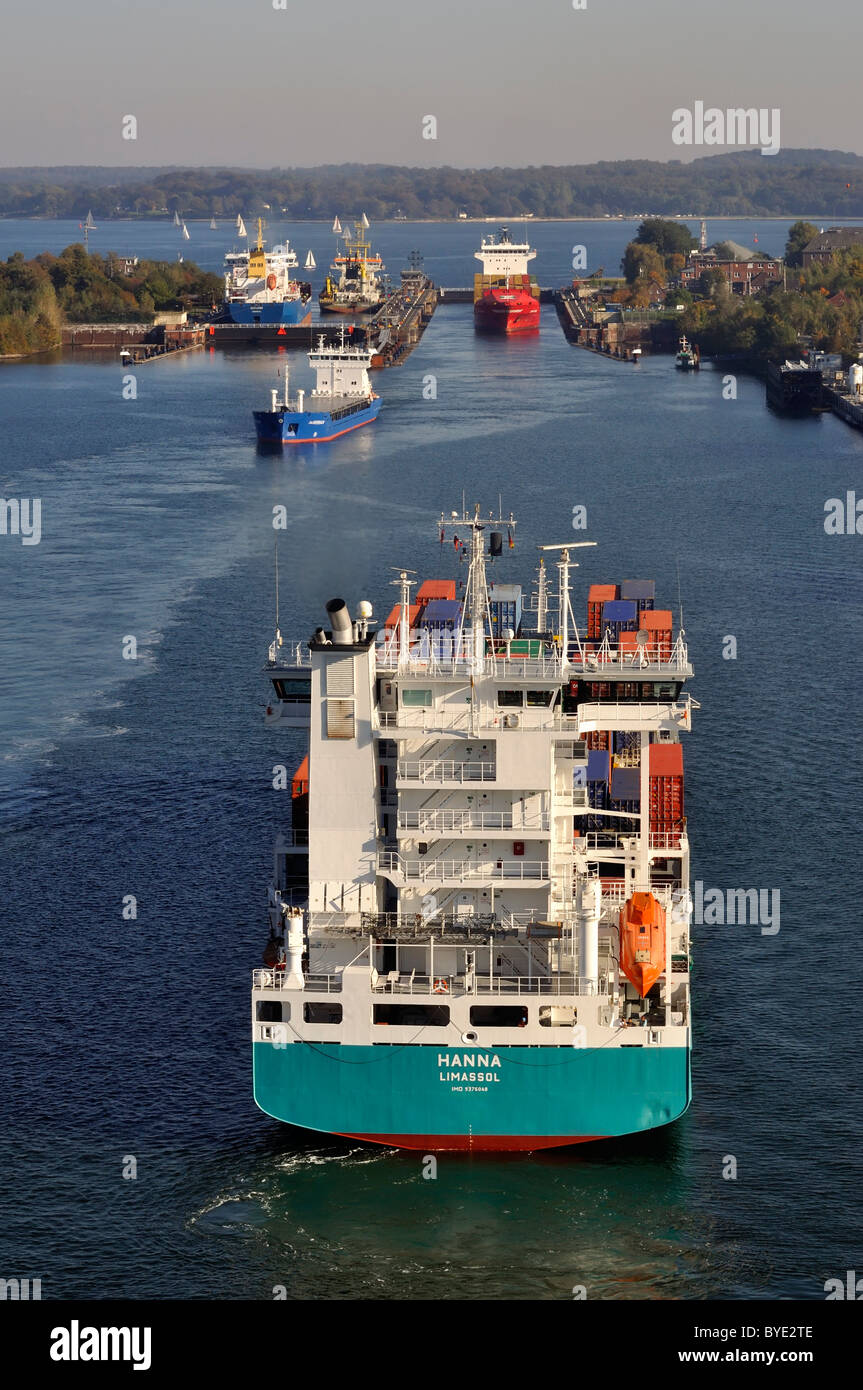 Ship traffic at the Holtenau lock, Kiel Canal, Kiel, Schleswig-Holstein, Germany, Europe - Stock Image