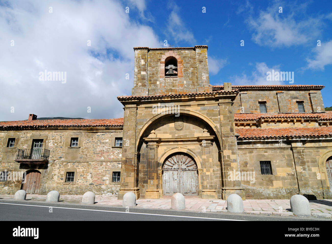 Colegiata de Arbas church, Arbas del Puerto, Villamanin, Castilla Leon province, Spain, Europe - Stock Image