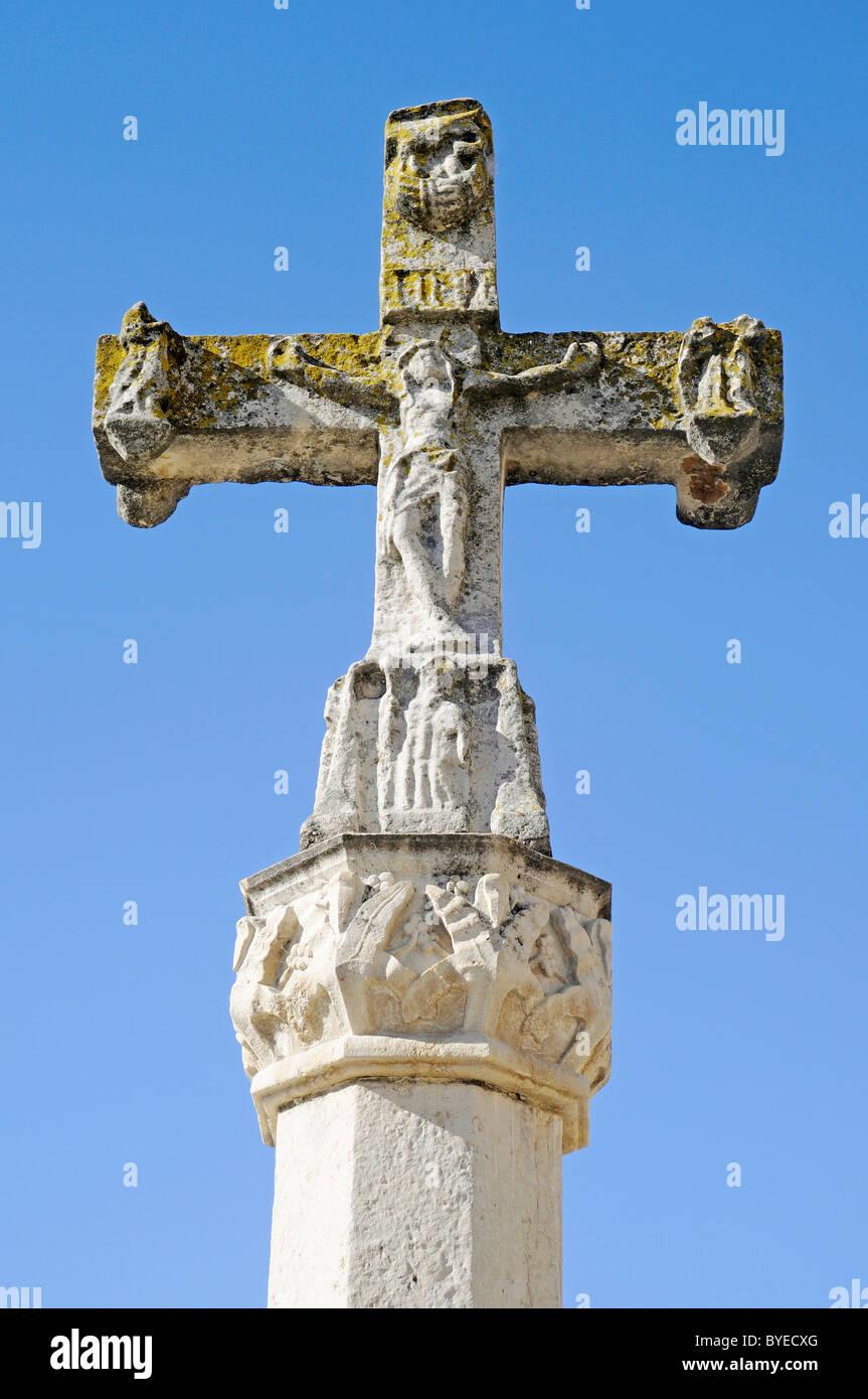 Cross, monument to the pilgrims, Camino de Santiago, Plaza San Marcos, Leon, province of Castilla y Leon, Castile Stock Photo