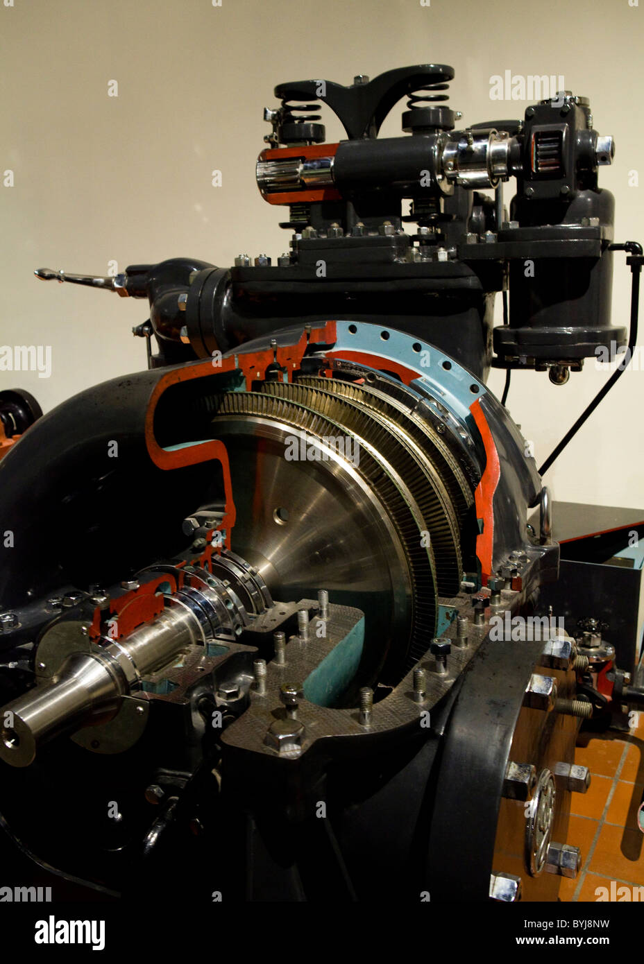 A cut out view of Curtis-General Electric steam turbine, circa 1927 - Stock Image
