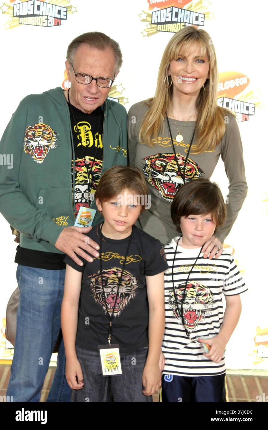 Larry King with his wife Shawn King and their sons Nickelodeon's ...