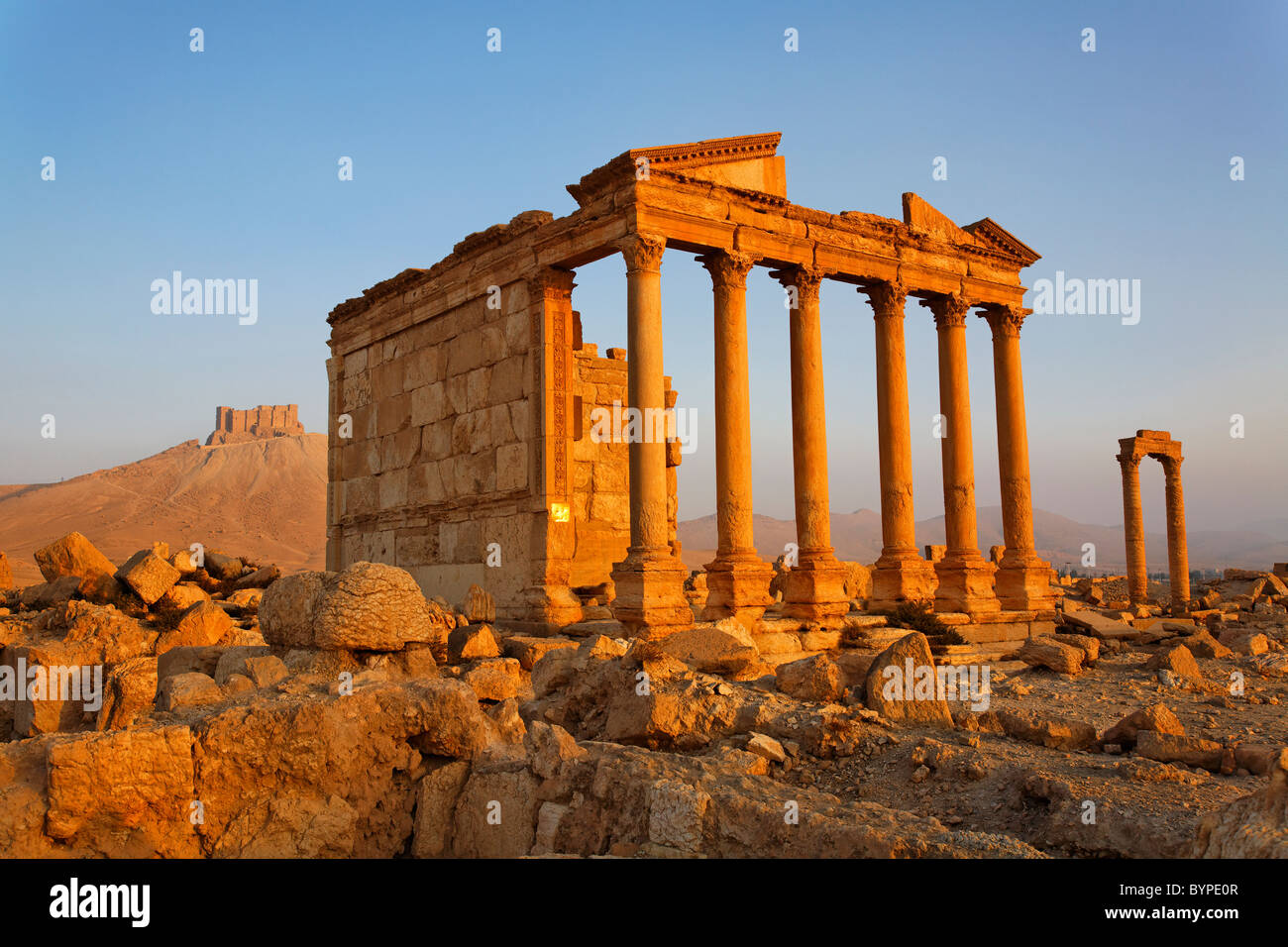 The Funerary Temple and Arab Castle at Palmyra, Syria - Stock Image