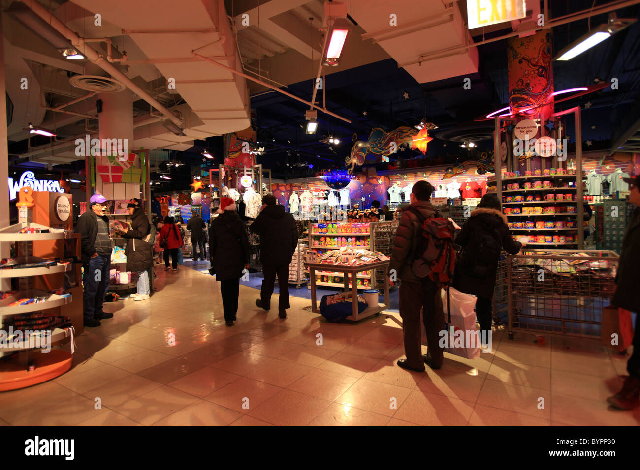 Crowd Inside Toys R Us Store At Times Square New York For Christmas