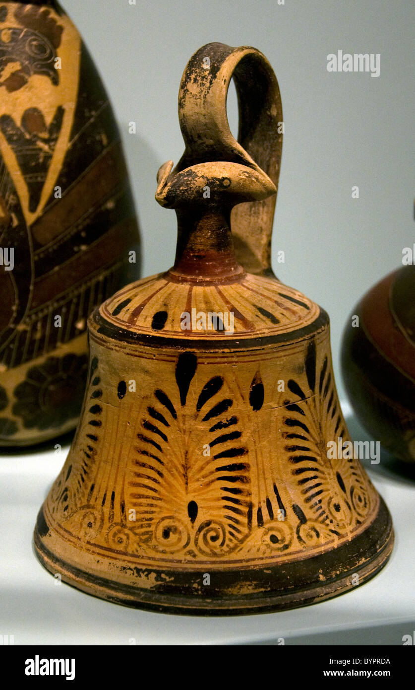 Oil Flask Corinthians Corinth Greece Greek pottery earthenware 570 BC Terracotta - Stock Image
