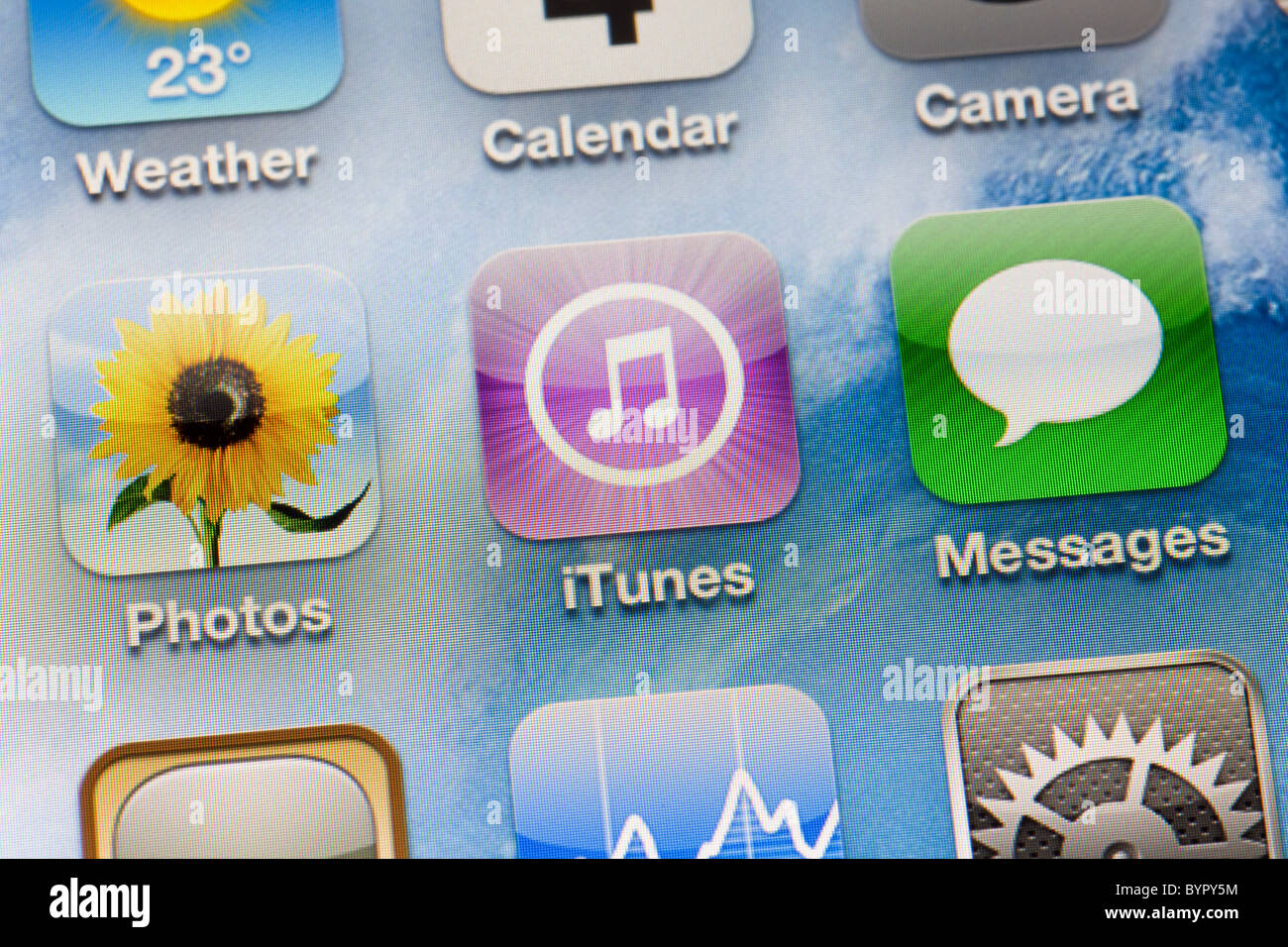apple Iphone 4 ipod icons close up screen itunes Stock Photo