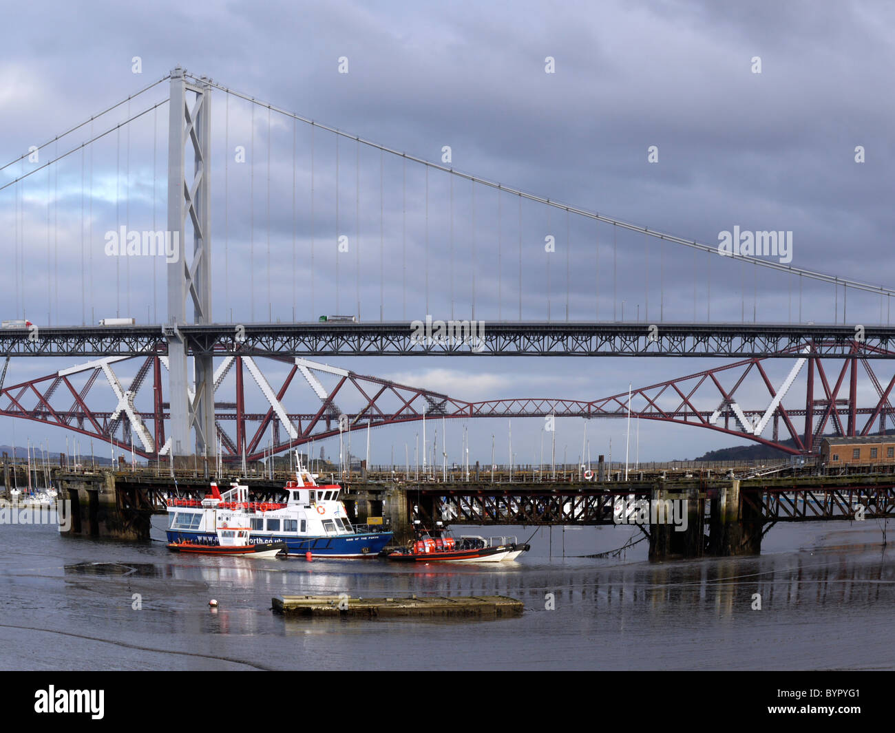 Port Edgar (South Queensferry, Scotland) with the Forth road and rail bridges in the background Stock Photo