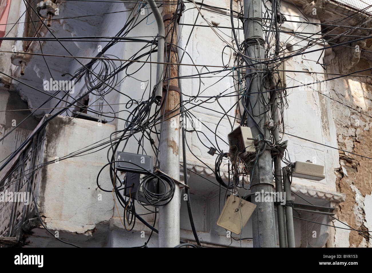 wires india stock photos wires india stock images alamy rh alamy com Home Electrical Wiring Diagrams India Electrical Wiring Mess
