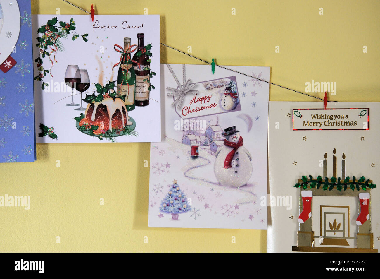 Christmas cards hanging on a string Stock Photo: 34313190 - Alamy