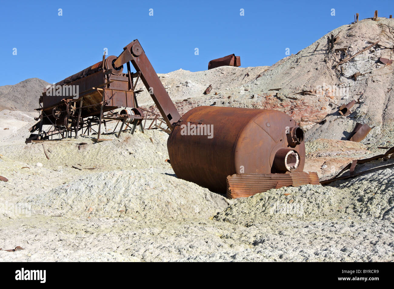 Abandoned mining equipment, Crater Sulfur Mine, near Death Valley National Park - Stock Image