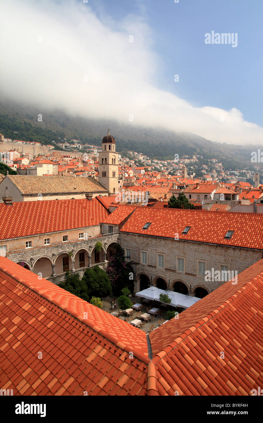 A quaint café and terrace among the old traditional buildings of Dubrovnik, Croatia Stock Photo