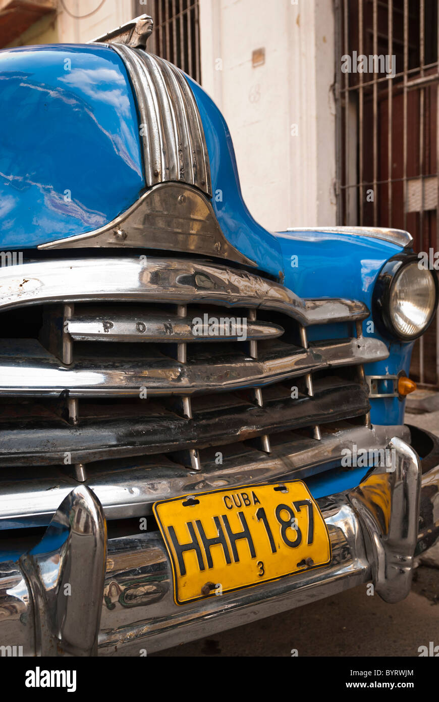 Old Pontiac on the streets of La Habana, Cuba. - Stock Image