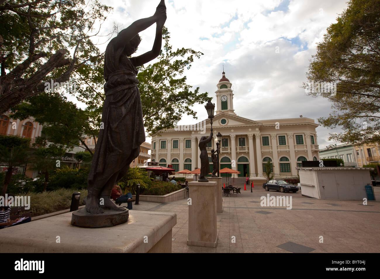 View of the Alcaldia in Plaza Colon, Mayaguez Puerto Rico - Stock Image
