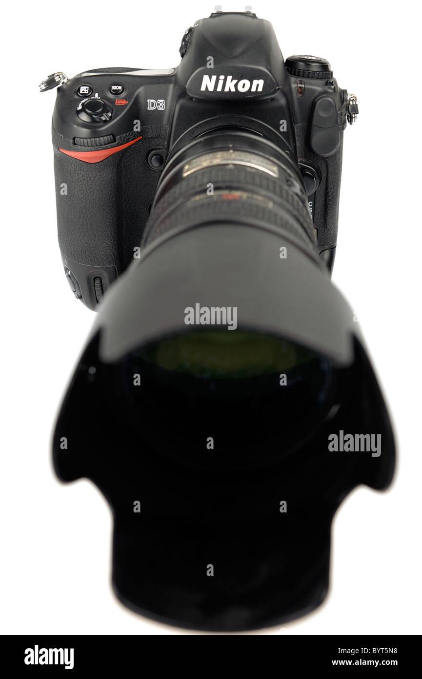 Nikon D3 full frame digital camera DSLR with Nikkor 70-200mm f/2.8 ...