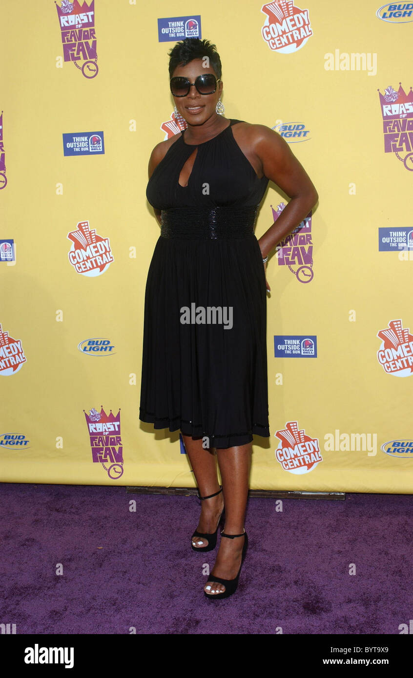 Comedian sommore says most men i run into already have a crush on sister nia long eurweb
