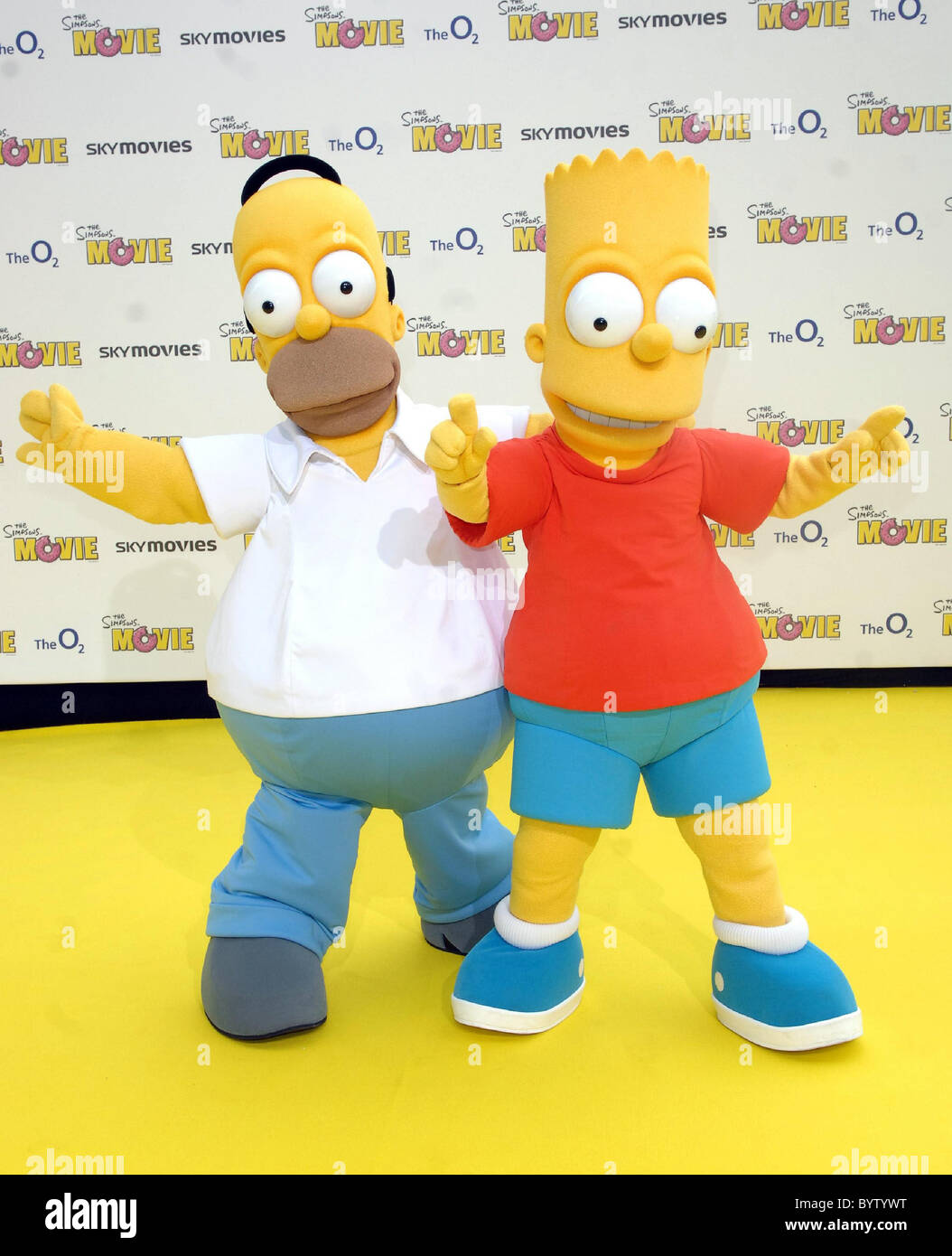 Homer Simpson And Bart Simpson The Simpsons Movie Uk Premiere At Stock Photo Alamy