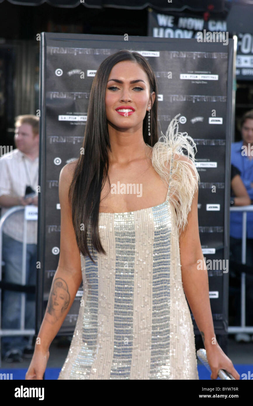 Megan Fox Premiere of 'Transformers' held at the Mann ...