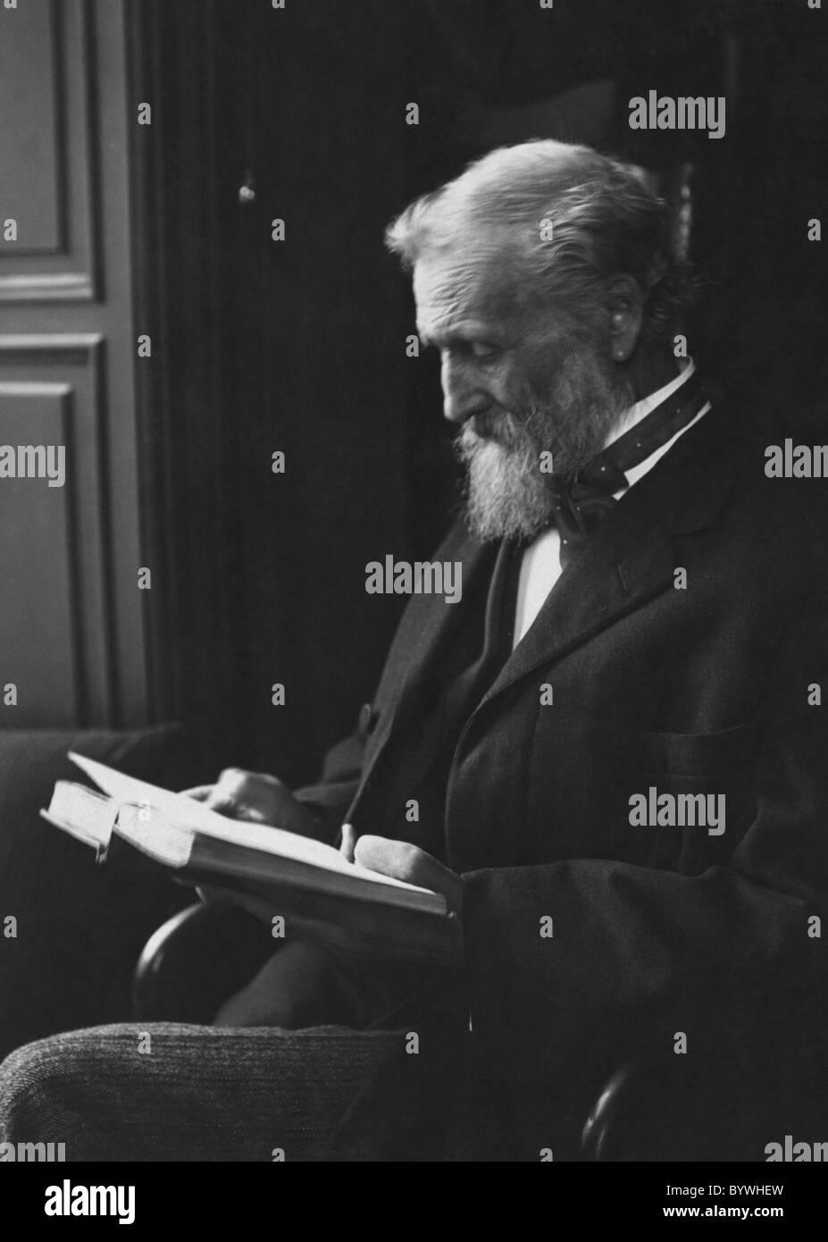 Portrait photo circa 1912 of Scottish-born American naturalist, author and conservationist John Muir (1838 - 1914). - Stock Image