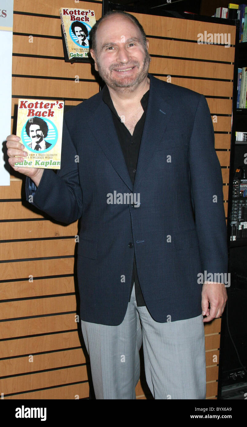 Kotter's Back: E-mails from a Faded Celebrity to a ...
