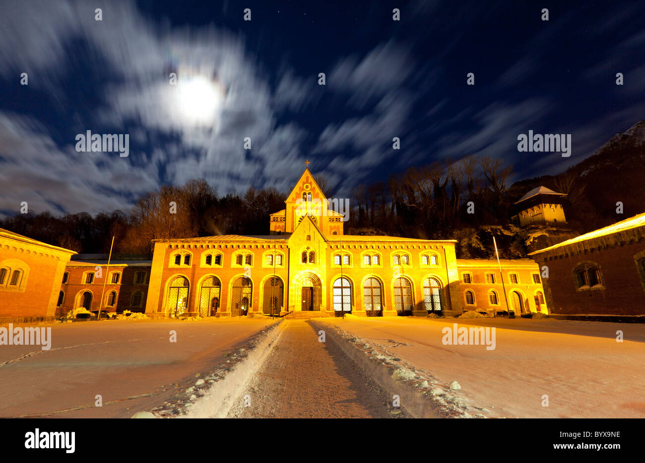 Old Salt Works (Alte Saline) at night. In the centre the main pumping hall, in the background the spring works chapel. - Stock Image