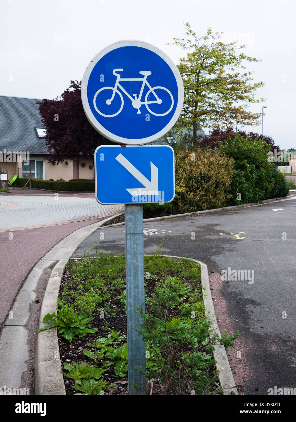 French cycle way sign 'piste cyclable' - Stock Image
