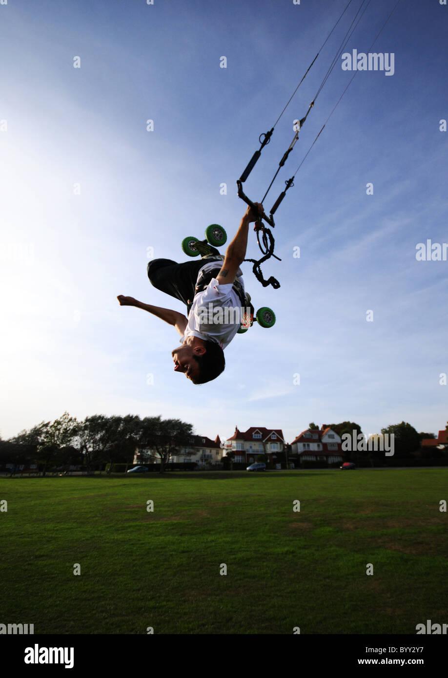 Extreme sport kiteboarding Kitesurfing in Frinton-on-Sea - Stock Image