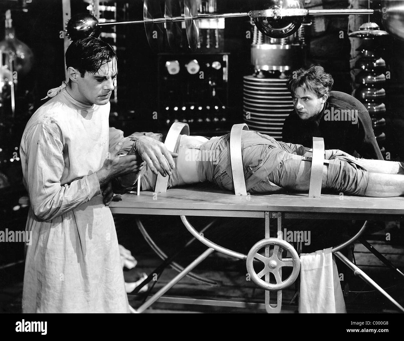 COLIN CLIVE, DWIGHT FRYE, FRANKENSTEIN, 1931 Stock Photo - Alamy