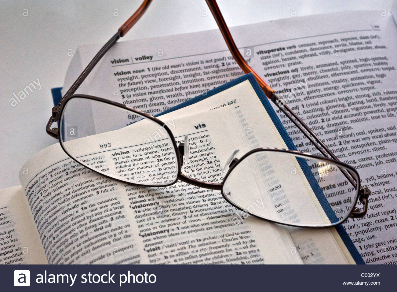 Squint Read Stock Photos & Squint Read Stock Images - Alamy